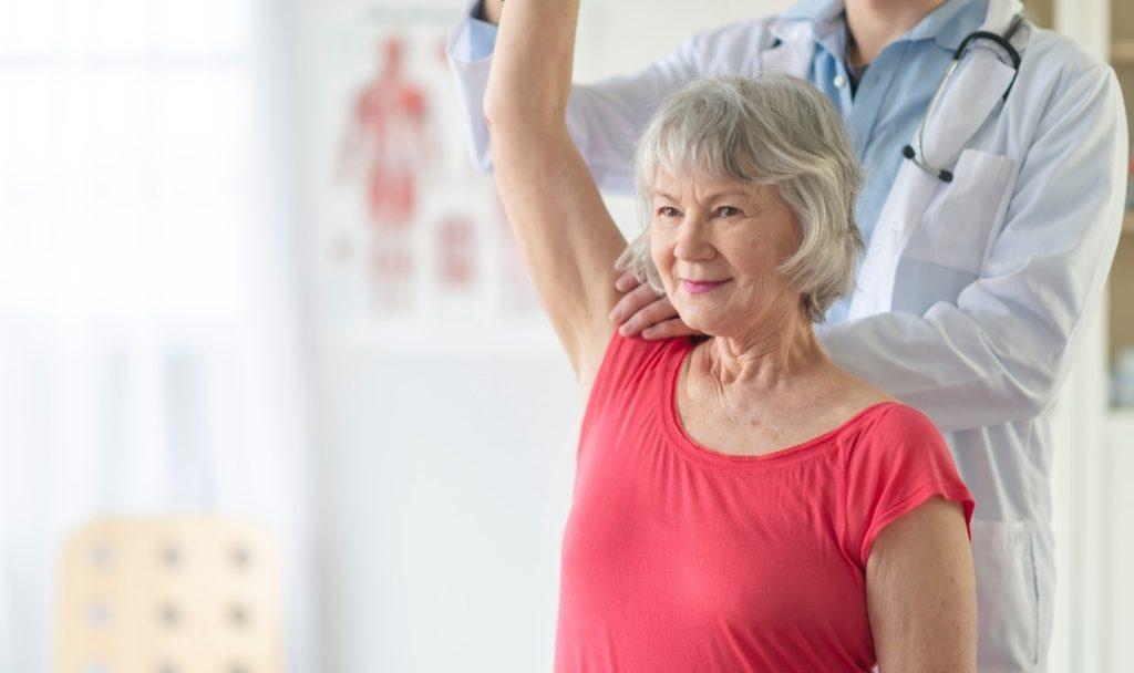 La riabilitazione dell'ictus può essere di tipo fisico, cognitivo, o entrambe.